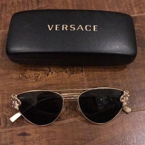 Versace Cat eye sunglasses style VE2195B GOLD/GREY